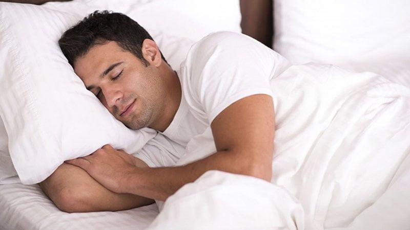 چگونه خوابمان سنگین شود؟ چرا ما به خواب سنگین نیاز داریم؟