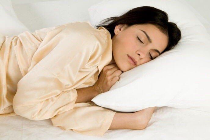 خوابیدن زن